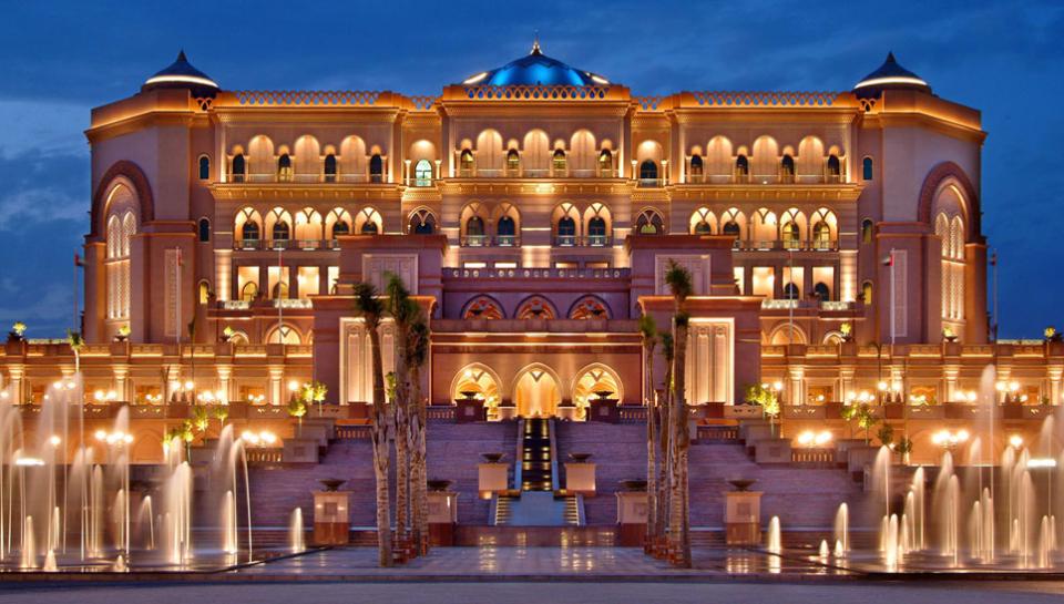 Khach-san-Emirates-Palace