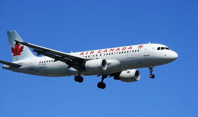 Vé máy bay du học Canada